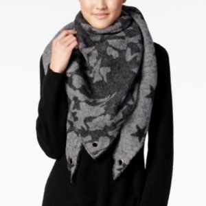 Steve Madden Camo Star Triangle Blanket Wrap Scarf